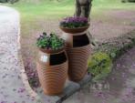 景区玻璃钢花盆垃圾桶图片
