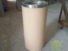 室内圆柱形仿木纹不锈钢垃圾桶