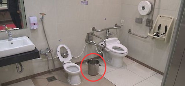 韩国禁止在马桶边配垃圾桶这是为何
