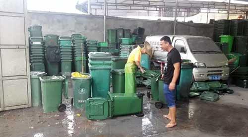 市政环卫垃圾桶清洗作业流程