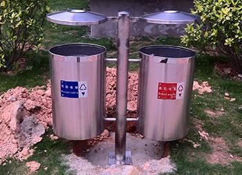 户外圆柱形不锈钢分类垃圾桶主图