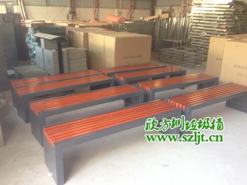 深圳市华一实验学校的园林椅