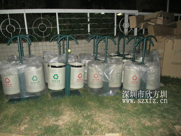 欣方圳给创世纪滨海花园供应分类垃圾桶